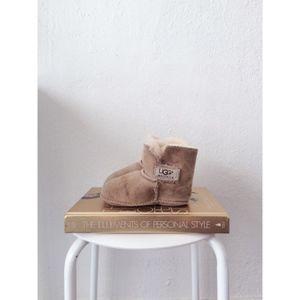 UGG KIDS light khaki velcro boots